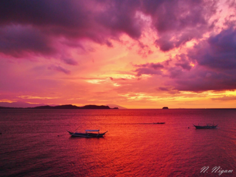 An Anilao sunset from the dining room