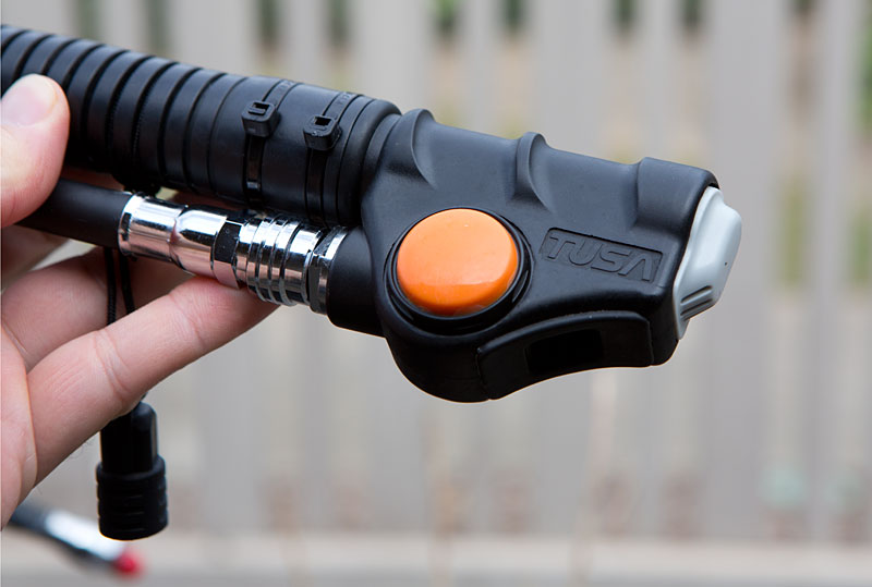 The Jasmine's streamlined inflator with a large, easy to use power inflate button.