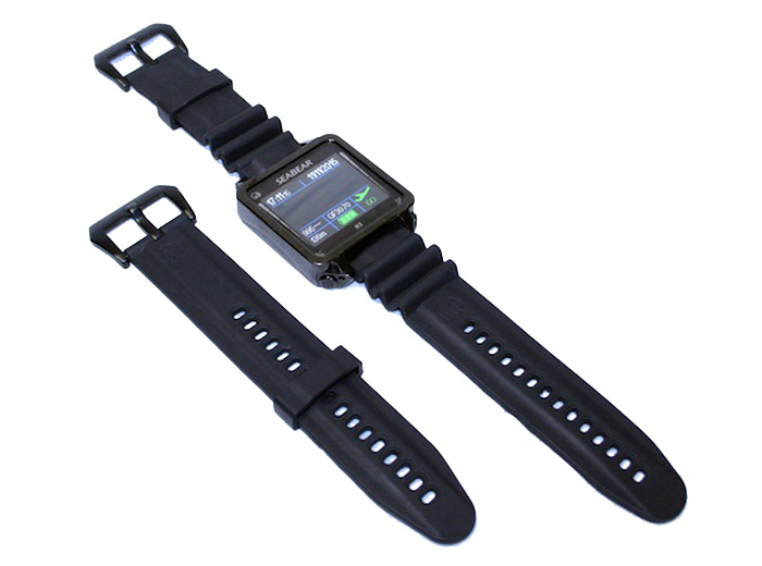 SubGravity includes a wristband extender for those wearing bigger, thicker dive suits and thermal protection. For those warm water divers, you can leave the extender in your dive bag as the standard wristband works perfect for sans dive suit or a thin dive suit/abrasion protection suit style diving.