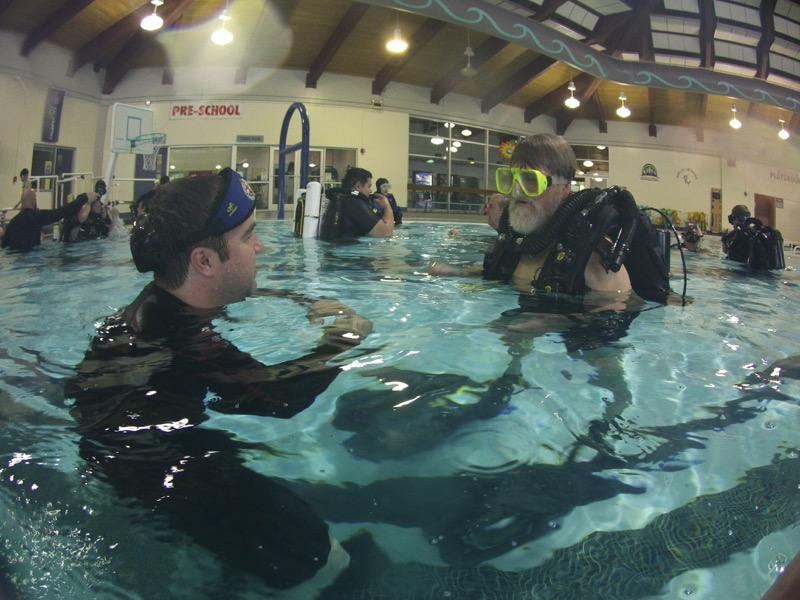 Another happy participant discussing the finer details of running a Meg 2.07 with dive supervisor Ben.