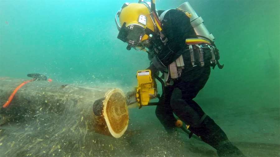 Underwater-chainsaw