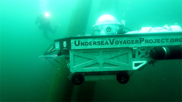 """Spots"", the Undersea Voyager Project's submarine, explores the ancient trees"